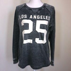 Cozy dark grey sweatshirt 🧤☃️